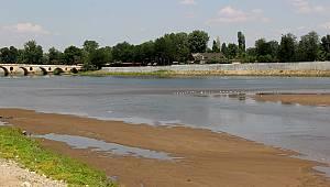 Sıcak Hava Meriç Nehri'nin Debisini Düşürdü