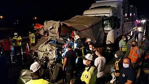 Kocaeli'de Zincirleme Trafik Kazasında 1 Kişi Öldü