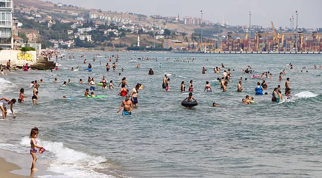 Sıcaktan Bunalanlar Denize Akın Etti
