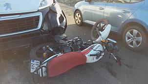 Sipariş Götüren Motosikletli Kurye Trafik Kazasında Yaralandı
