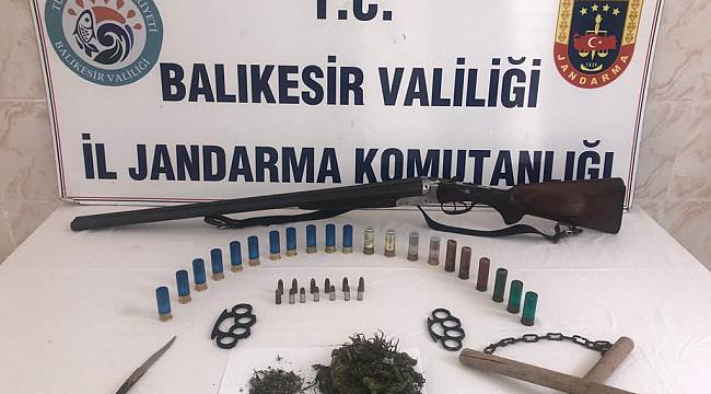 Balıkesir'deki Uyuşturucu Operasyonlarında 5 Kişi Yakalandı