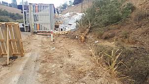 Bilecik'te Devrilen Seramik Yüklü Tırın Sürücüsü Yaralandı