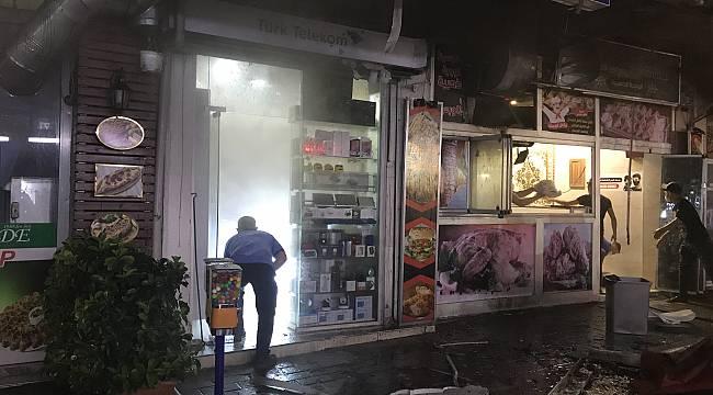 Bursa'da Dönerci Dükkanındaki Yangın Maddi Hasara Neden Oldu