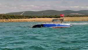 Karaya Oturan Teknedeki 3 Kişi Sahil Güvenlik Ekiplerince Kurtarıldı