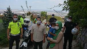 Polis Maketine Sarılan Minik Ertuğrul'a İl Emniyet Müdürü Kaya'dan Sürpriz