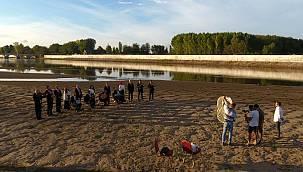 Meriç Nehri'nin Ortasında Klip Çektiler