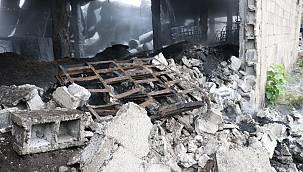 Sakarya'da Kauçuk Fabrikasında Çıkan Yangın Söndürüldü