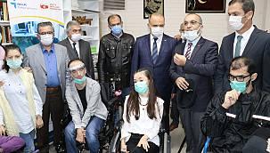 Yalova'da Engelliler İçin Gözle Bilgisayar Kullanma Kursu Açıldı