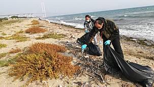 """Hersek Plajında """"Kirlilik İzleme Programı"""" Gerçekleştiriliyor"""