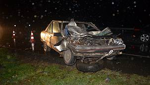 Otomobil Kamyonla Çarpıştı, 1 Ağır Yaralı