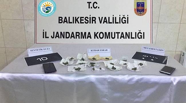 Balıkesir'de Uyuşturucu Operasyonunda 2 Gözaltı