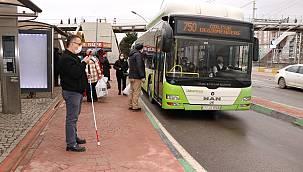 """Kocaeli'de Engelli Bireylere Otobüslerde """"Ulaşım Asistanı"""" Refakat Edecek"""