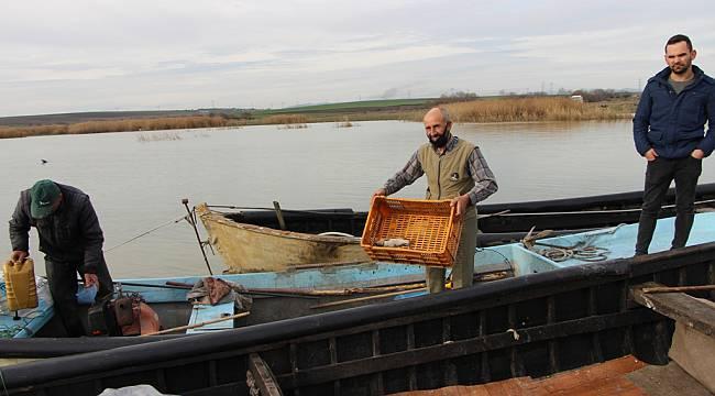 Bandırmalı Balıkçılar Kuş Gölü'nde Avcılıktan Umduklarını Bulamadı