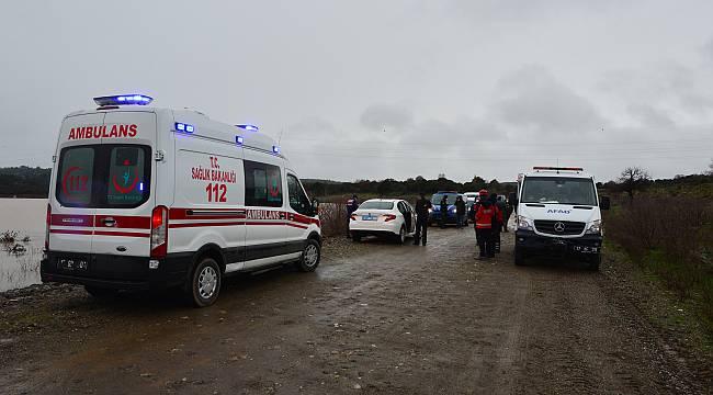 Çanakkale'de Gölete Düşen Araçtaki 2 Kişi Kayboldu