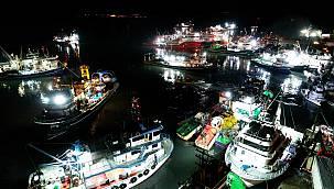 İğneada'da 250 Tekne Hamsi Peşinde