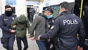 İstanbul'dan Çaldıkları Otomobille Saklanırken Yakalanan 3 Zanlı Tutuklandı