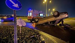 Orta Refüje Çarpan Otomobil Takla Attı, 1 Yaralı