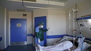 Psikologlar Kovid-19 Hastalarına Moral Veriyor