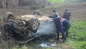 Takla Atarak Hurdaya Dönen Otomobilin Sürücüsü Yaralandı