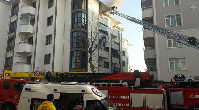 5. Katta Çıkan Yangında Balkondan Atlayarak Yaralandı