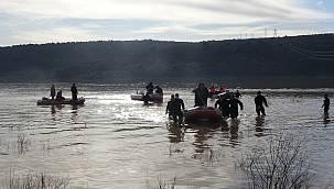 Baraja Düşen Otomobilde Kaybolan İş Güvenliği Uzmanının Cesedine Ulaşıldı