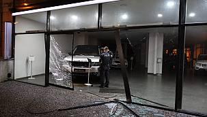 Bursa'da Çaldıkları Aracı İki Gün Sonra Galeriye Bırakıp Kaçtı