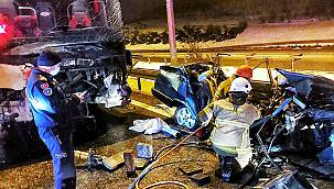 Bursa'da Yolcu Otobüsüyle Otomobil Çarpıştı, 2 Ölü 10 Yaralandı