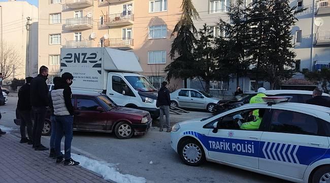 İnegöl'de Zincirleme Trafik Kazasında 1 Kişi Yaralandı