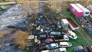 Sakarya'da Çıkan Yangında Yaklaşık 30 Araç Zarar Gördü