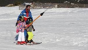Uludağ'da Geç Başlayan Kayak Sezonunun Mart Sonuna Kadar Sürmesi Bekleniyor
