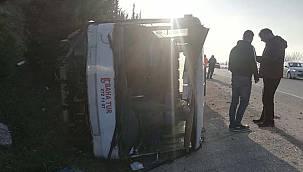 Bursa'da Lastiği Patlayan İşçi Servisi Devrildi, 18 Yaralı
