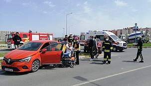 İki Otomobil Çarpıştı, 1 Yaralı