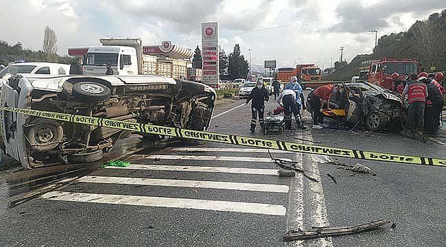 Sakarya'da Panelvan ile Otomobil Çarpıştı, 5 Yaralı