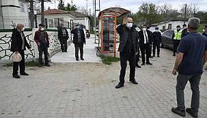 Vali 12 Saatte 59 Köyü Gezerek Vatandaşı Uyardı