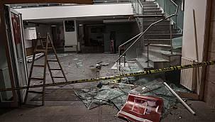 Avcılar'da Kaza Yapan Otomobil Bankaya Girdi