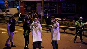 Polisten Kaçan Sürücünün Otomobiliyle Çarptığı 2 Bekçi Yaralandı