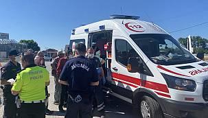 Sakarya'da İki Otomobilin Çarpıştı, 5 Yaralı
