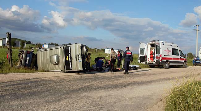 Bilecik'te Minibüsle Otomobil Çarpıştı, 6 Yaralı