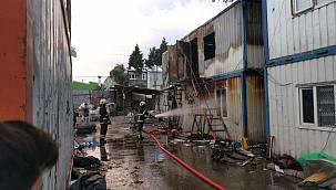 Kocaeli'de Hurda Deposunda Çıkan Yangın Söndürüldü