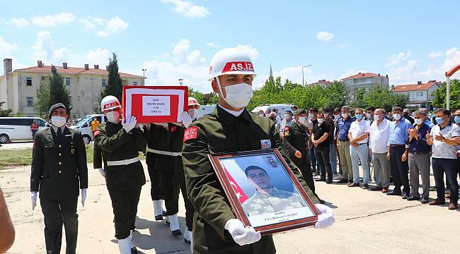 Şehit Olan Asker Kapaklı'da Son Yolculuğuna Uğurlandı