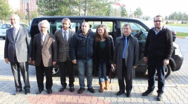 Rusya'da Gözaltına Alınan Öğretim Görevlileri Yurda Döndü
