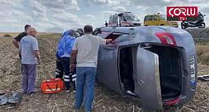 Virajı Alamayan Otomobil Tarlaya Uçtu