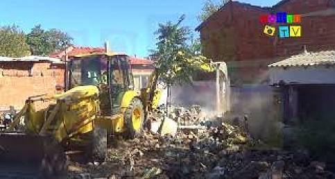 Kore mahallesinde başlayan yıkım mahalleliyi sevindirdi